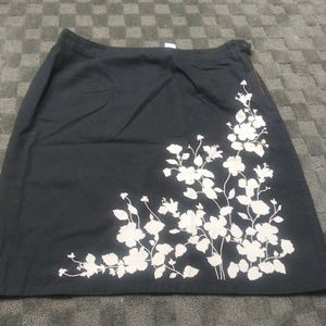 Liz Claiborne Black Floral Skirt Size 12